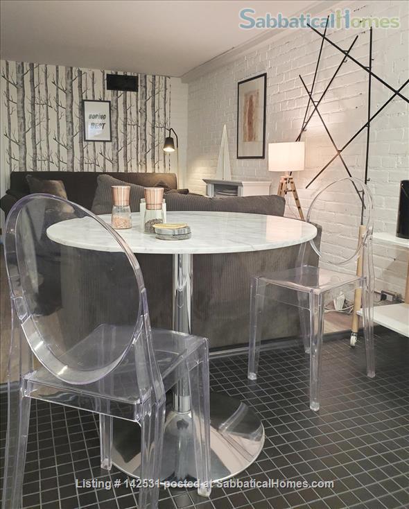 Two bedroom flat in Toronto's hippest neighbourhood. Art infused, design-conscious, happening. Home Rental in Toronto, Ontario, Canada 5