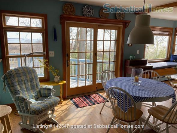 Hilltop 4BR - Near Yale - Fabulous Water Views, Beaches, Ideal for Family Home Rental in West Haven, Connecticut, United States 2