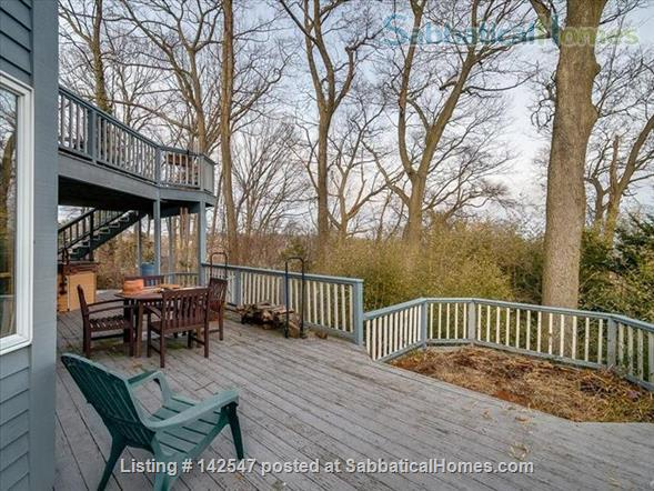 Hilltop 4BR - Near Yale - Fabulous Water Views, Beaches, Ideal for Family Home Rental in West Haven, Connecticut, United States 4