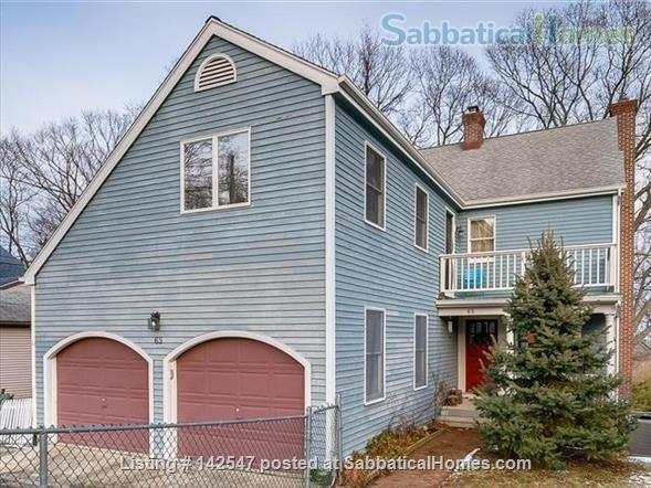 Hilltop 4BR - Near Yale - Fabulous Water Views, Beaches, Ideal for Family Home Rental in West Haven, Connecticut, United States 5