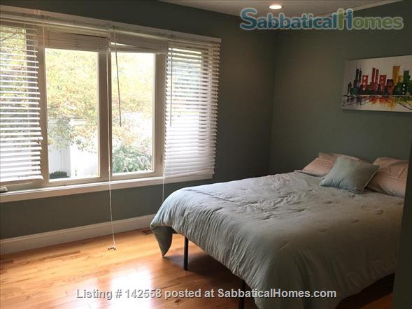 Contemporary two stories Condo (2BR + 2 BATH), fully furnished in the Fresh Pond Area. 1 mile from Harvard Sq. Utilities included with backyard, BBQ and indoors heated pool. Home Rental in Cambridge, Massachusetts, United States 5