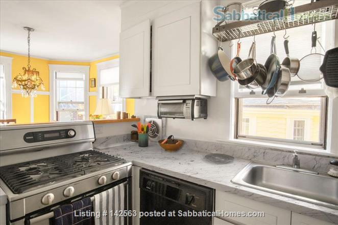 Luxury 3 beds/2baths apartment steps from Porter & Harvard sq! Home Rental in Cambridge, Massachusetts, United States 2