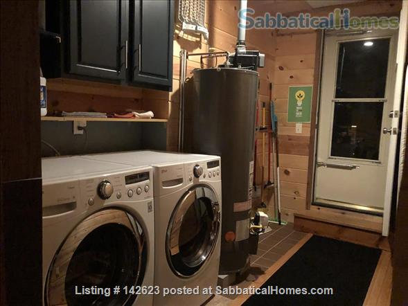 3 Bedroom 1 bath 1300 sq ft upstairs apartment  Home Rental in Madison, Wisconsin, United States 7
