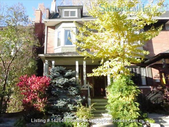 Artist's Quaint and Lovely Downtown Arts & Crafts Home in Heritage Cabbagetown Home Rental in Toronto, Ontario, Canada 1