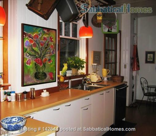 Artist's Quaint and Lovely Downtown Arts & Crafts Home in Heritage Cabbagetown Home Exchange in Toronto, Ontario, Canada 2