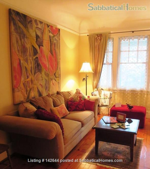 Artist's Quaint and Lovely Downtown Arts & Crafts Home in Heritage Cabbagetown Home Rental in Toronto, Ontario, Canada 4