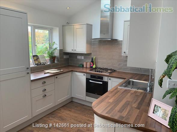 Large 4 bed home in London, near transport and huge garden! Home Rental in London, England, United Kingdom 2