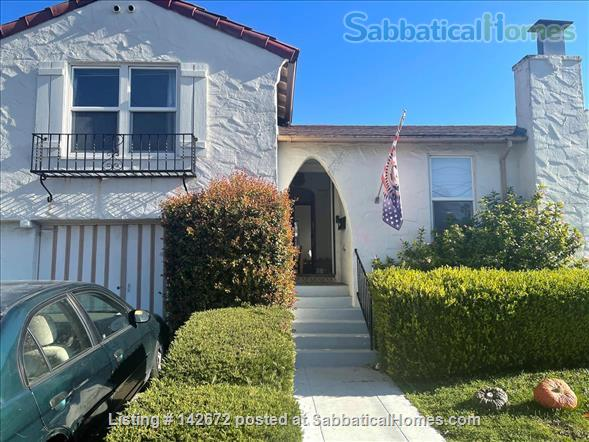 Cozy 3 bedroom home with very large yard in North Berkeley Home Rental in Albany, California, United States 0