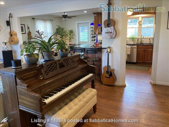 Ideally Located Sanctuary in Northern Virginia Home Rental in Arlington, Virginia, United States 1
