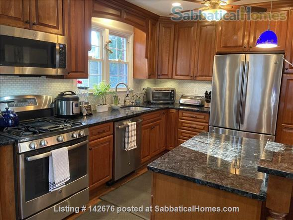 Ideally Located Sanctuary in Northern Virginia Home Rental in Arlington, Virginia, United States 2