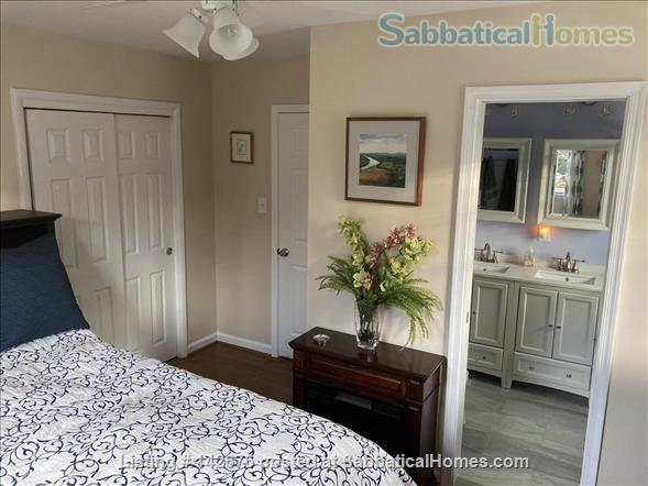 Ideally Located Sanctuary in Northern Virginia Home Rental in Arlington, Virginia, United States 4