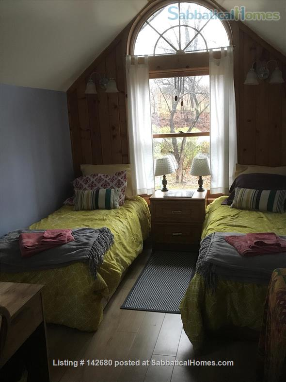 Unique craftsmen home on Cayuga Wine Trail. Home Rental in Ithaca 7