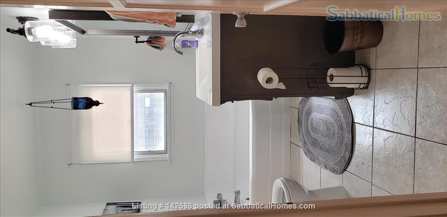 Charming 2 bedroom/1 bathroom unit in the heart of LA Home Rental in Los Angeles, California, United States 3