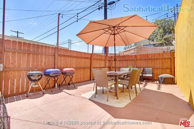 Charming 2 bedroom/1 bathroom unit in the heart of LA Home Rental in Los Angeles, California, United States 7