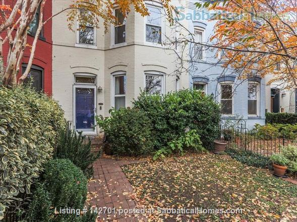Charming Capitol Hill Rowhouse  Home Rental in Washington, District of Columbia, United States 1