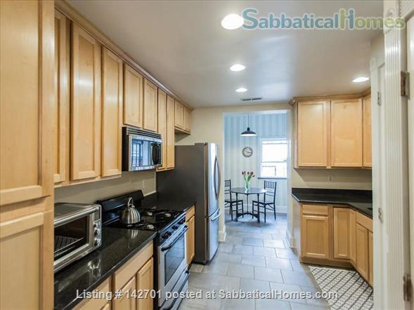 Charming Capitol Hill Rowhouse  Home Rental in Washington, District of Columbia, United States 3