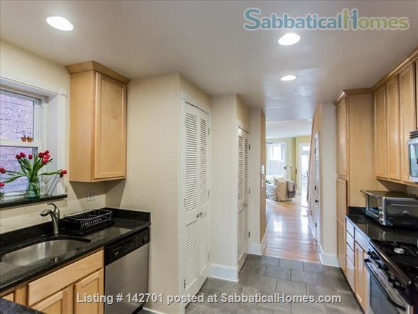 Charming Capitol Hill Rowhouse  Home Rental in Washington, District of Columbia, United States 4