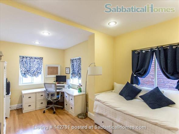 Charming Capitol Hill Rowhouse  Home Rental in Washington, District of Columbia, United States 7