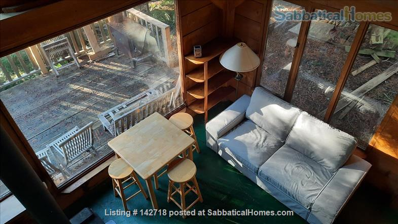 Cozy Cabin on the Gulf Islands. Home Rental in Galiano Island 4 - thumbnail