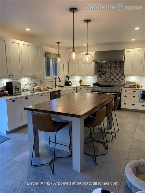 Renovated 6 Bed Home with Hot Tub, Fire Pit, close to Chautauqua & Pearl St and CU Boulder campus Home Rental in Boulder, Colorado, United States 4