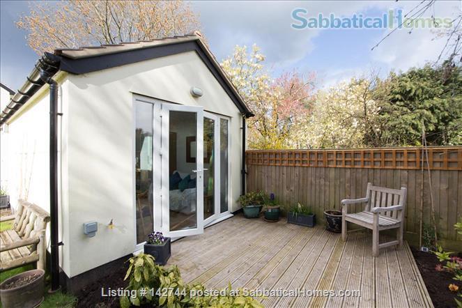 Sunny Studio Apartment in leafy North Oxford Home Rental in Oxfordshire, England, United Kingdom 0