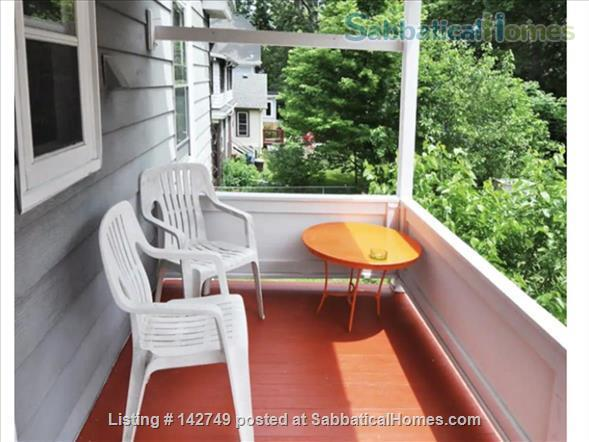 Retro Furnished 3-Bedroom Apartment on Near East Side Home Rental in Madison, Wisconsin, United States 2