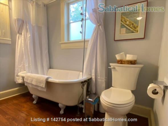 Small-Town House - Easy commute to Charlottesville Home Rental in Gordonsville, Virginia, United States 8