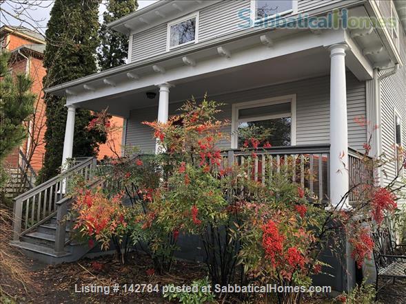 Comfortable Furnished Home in Vibrant SE Portland Home Rental in Portland, Oregon, United States 1