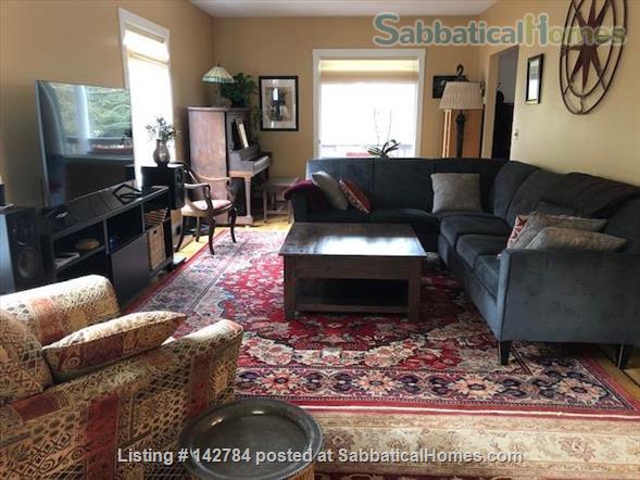 Comfortable Furnished Home in Vibrant SE Portland Home Rental in Portland, Oregon, United States 5
