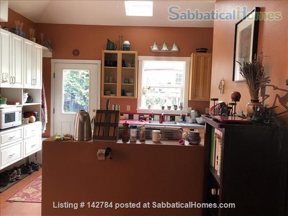 Comfortable Furnished Home in Vibrant SE Portland Home Rental in Portland, Oregon, United States 6