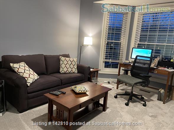 Beautiful 2800 sq.ft. condo in desirable Huron Chase complex in Ann Arbor Home Rental in Ann Arbor, Michigan, United States 3