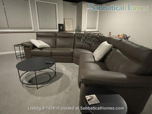 Beautiful 2800 sq.ft. condo in desirable Huron Chase complex in Ann Arbor Home Rental in Ann Arbor, Michigan, United States 4