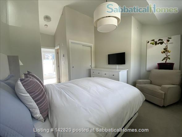 Three bedroom townhome on the beautiful North Shore Home Rental in North Vancouver, British Columbia, Canada 1