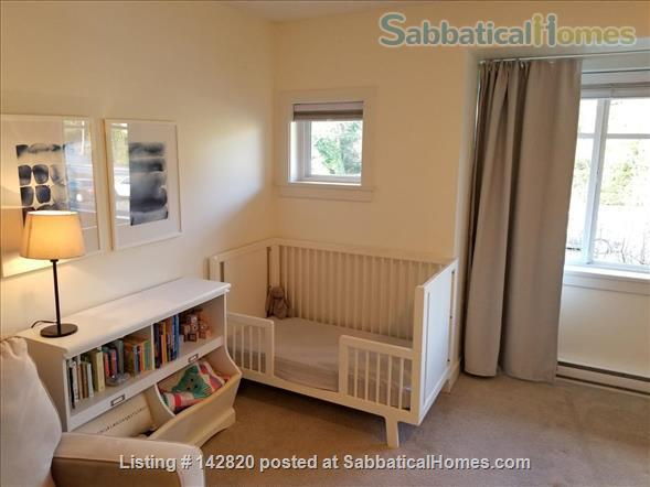 Three bedroom townhome on the beautiful North Shore Home Rental in North Vancouver, British Columbia, Canada 6