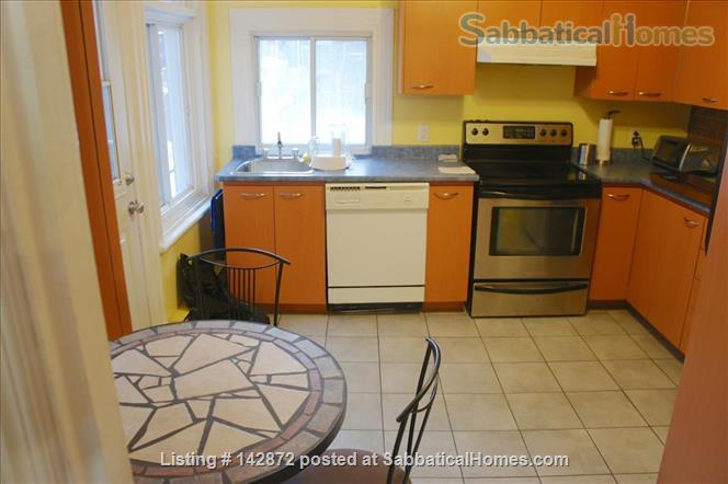 SUNNY 3 BDR - PLATEAU MT-ROYAL / MILE-END - LAURIER METRO Home Rental in Montreal, Quebec, Canada 4