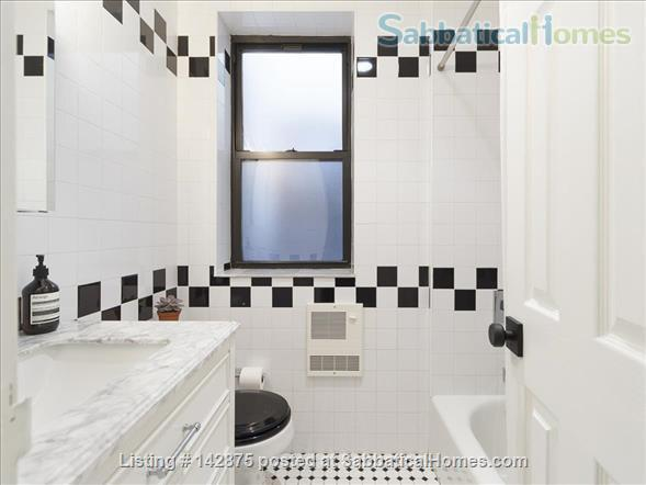 Cozy Chelsea One Bedroom Apt in New York's Best Neighborhood Home Rental in New York, New York, United States 3