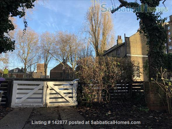 Two bedroom flat with garden in Shoreditch, London E2 Home Rental in London, England, United Kingdom 7