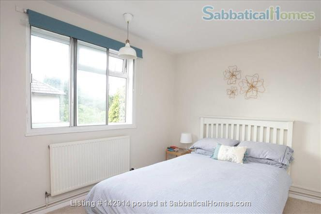 Light and airy double bedroom available in 2 bedroom flat! Home Rental in Headington, England, United Kingdom 5