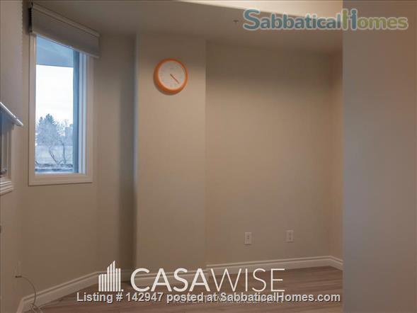 COMFORTABLE! 2BED/2bath FURNISHED CONDO! RIGHT BY LEGISLATURE BLDG! U/G PKG - CITY VIEWS Home Rental in Edmonton, Alberta, Canada 7