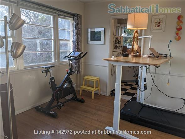 Spacious, sunny flat near UCLA Home Rental in Los Angeles, California, United States 3