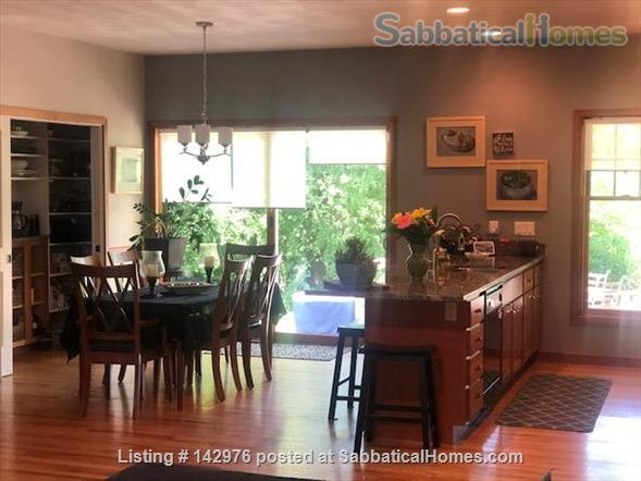 Charming, craftsman style ranch, in an upscale,  centrally located subdivision. Home Rental in Fitchburg, Wisconsin, United States 0