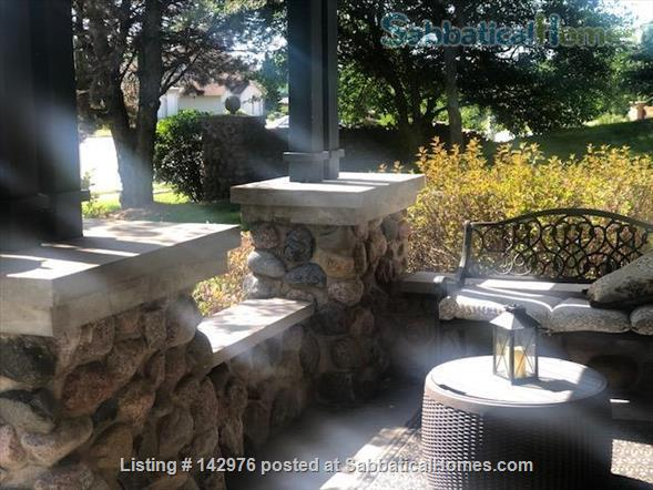 Charming, craftsman style ranch, in an upscale,  centrally located subdivision. Home Rental in Fitchburg, Wisconsin, United States 3