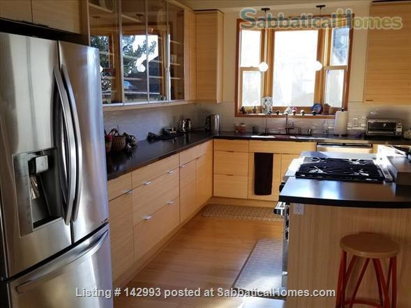 North Berkeley spacious light-filled home 1/2 mile from UC Berkeley  Home Rental in Berkeley, California, United States 3