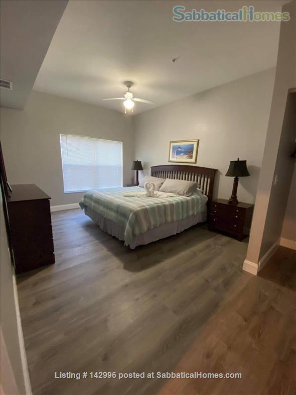 Beautifully renovated 4 bedroom townhouse near Disney  Home Rental in Kissimmee, Florida, United States 1