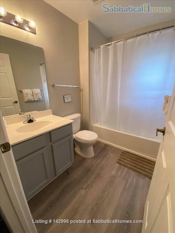 Beautifully renovated 4 bedroom townhouse near Disney  Home Rental in Kissimmee, Florida, United States 6