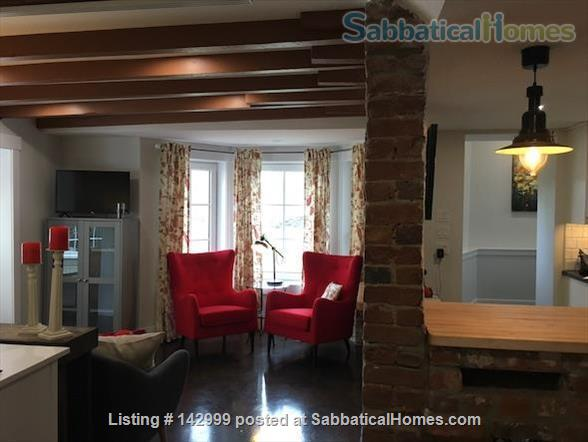 Chic Urban Retreat in the heart of South End Halifax. Home Rental in Halifax 5 - thumbnail