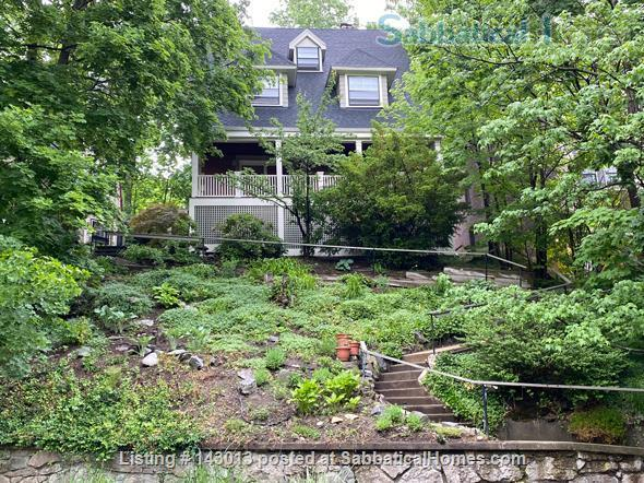 Lovely 4+ BR family home in Brookline; Close to BC, BU, Longwood Medical and easy trip to Harvard, MIT Home Rental in Brookline, Massachusetts, United States 9