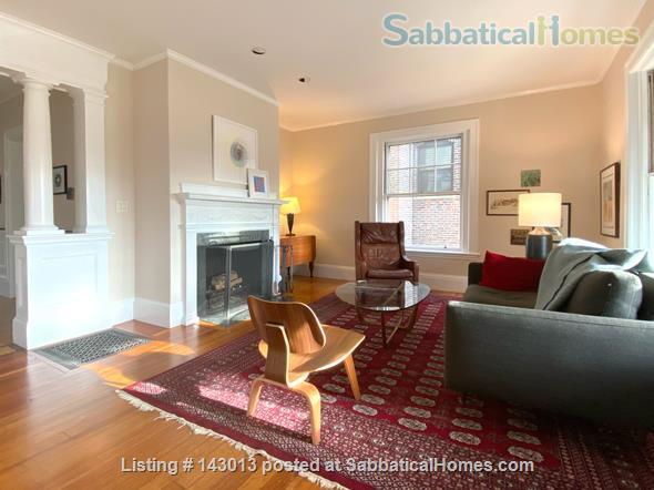 Lovely 4+ BR family home in Brookline; Close to BC, BU, Longwood Medical and easy trip to Harvard, MIT Home Rental in Brookline, Massachusetts, United States 1