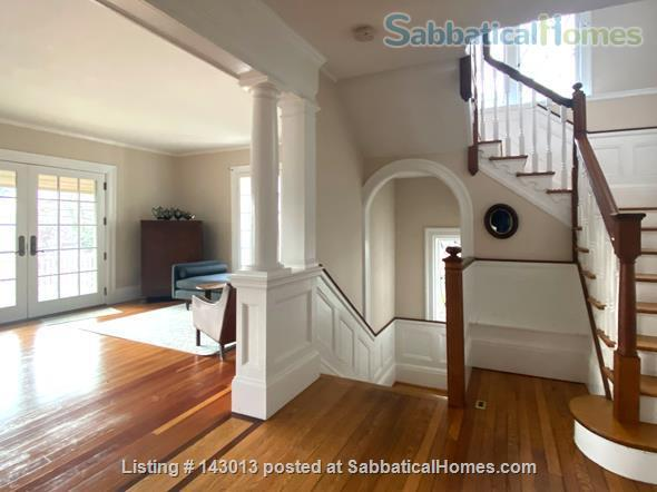 Lovely 4+ BR family home in Brookline; Close to BC, BU, Longwood Medical and easy trip to Harvard, MIT Home Rental in Brookline, Massachusetts, United States 0
