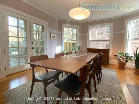 Lovely 4+ BR family home in Brookline; Close to BC, BU, Longwood Medical and easy trip to Harvard, MIT Home Rental in Brookline, Massachusetts, United States 2